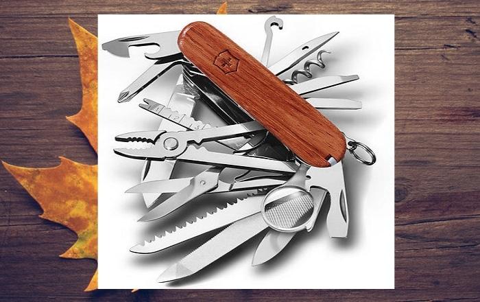image-couteau-suisse-en-bois-naturel